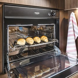 FRANKIA Motorhomes Optional Equipment – Oven