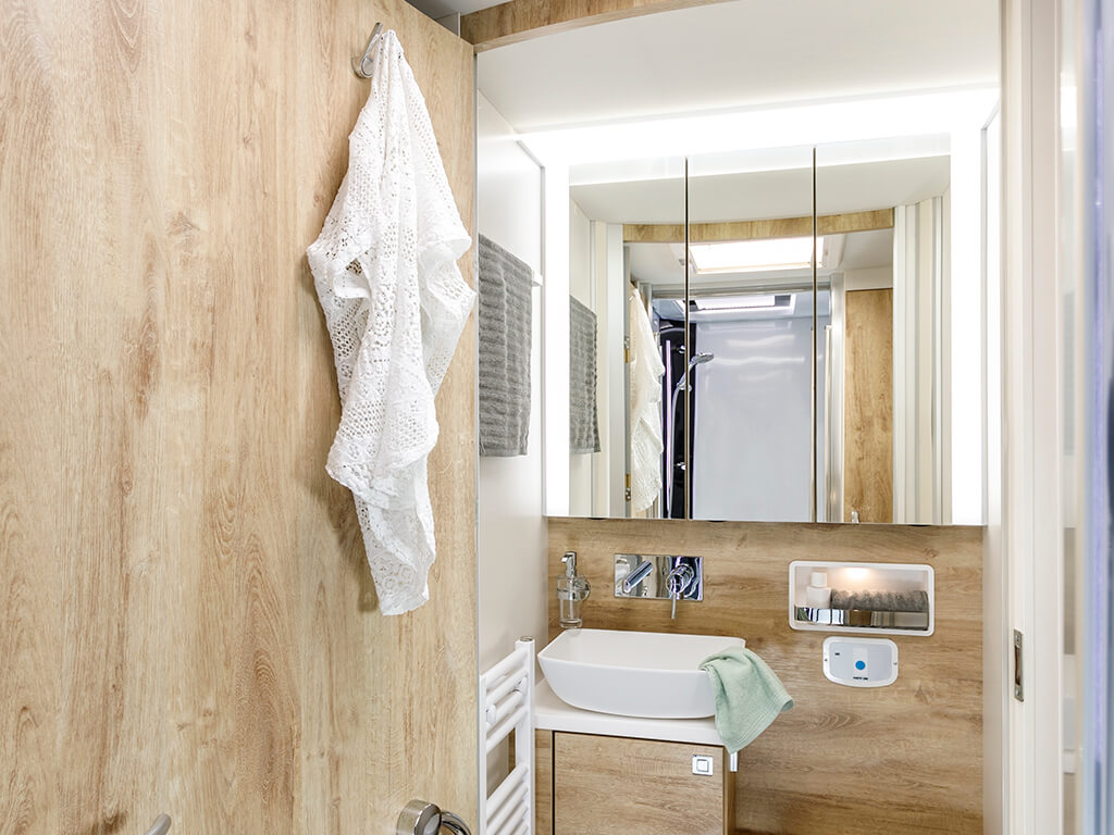 "New ""glamping era"" begins – with the spacious FRANKIA bathroom and elegant new interior furnishings"